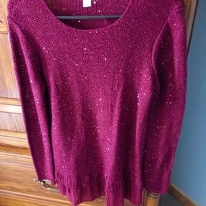 Light weight sweater in wine color